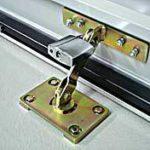 roller-door-anchor